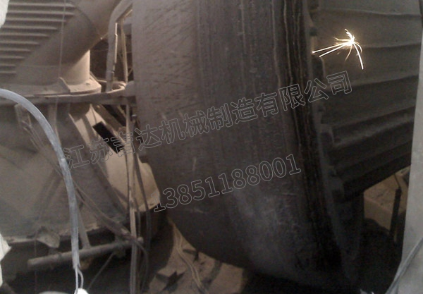 立磨离线堆焊